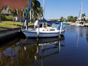 Used Helms 27 Sloop Racer and Cruiser Sailboat For Sale