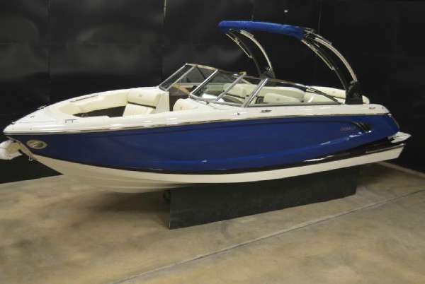 New Cobalt Boats A25 Bowrider Boat For Sale