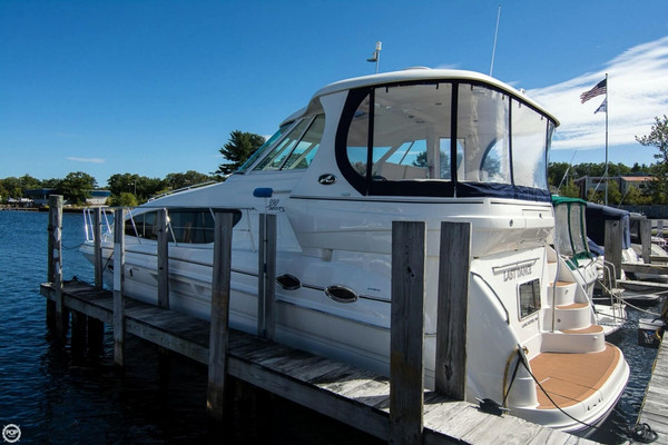 Used Sea Ray 390 Motoryacht Cruiser Boat For Sale