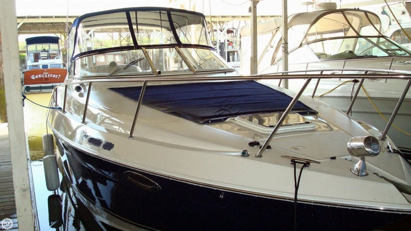 Used Regal 3260 Commodore Express Cruiser Boat For Sale