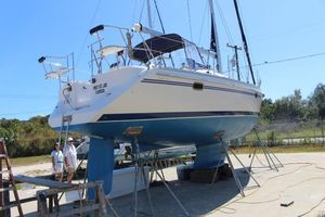 Used Catalina 355 Wing Keel Racer and Cruiser Sailboat For Sale