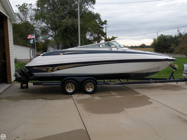 Used Crownline 266 CCR Express Cruiser Boat For Sale