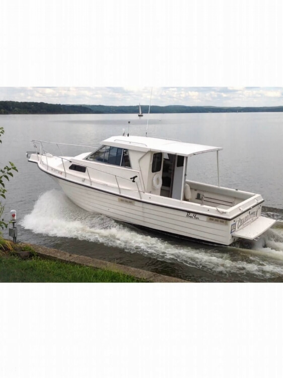 Used Penn Yan 305 Rampage Pilothouse Boat For Sale