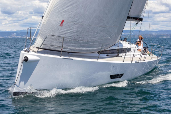 New Elan E5 Racer and Cruiser Sailboat For Sale