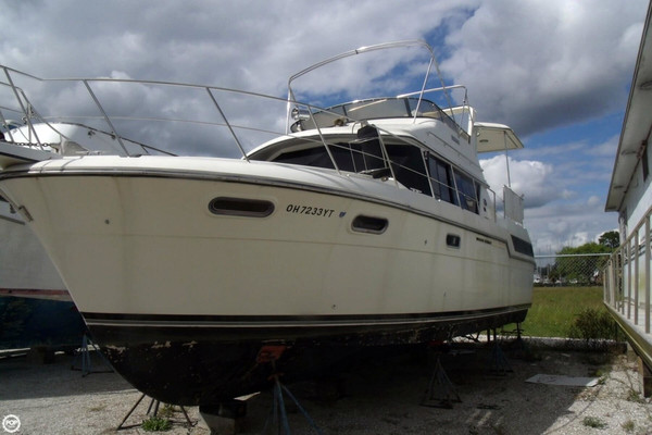 Used Carver 3807 AC Motoryacht Aft Cabin Boat For Sale