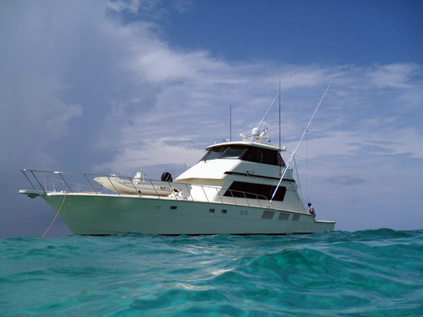 1990 used hatteras enclosed bridge convertible sports for Hatteras fishing charters