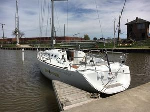 Used Beneteau 40.7 Racer and Cruiser Sailboat For Sale