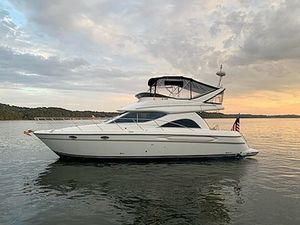 Used Maxum SCB4100 Aft Cabin Boat For Sale