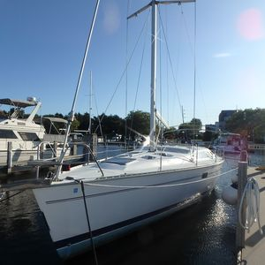 Used Hunter Legend 40.5 Cruiser Sailboat For Sale
