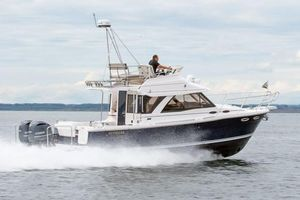 New Cutwater C-32 CB Cruiser Boat For Sale