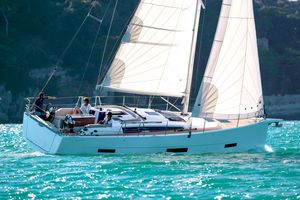 New Dufour 390 Cruiser Sailboat For Sale