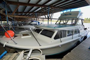 Used Tollycraft 30 Express Flybridge Boat For Sale