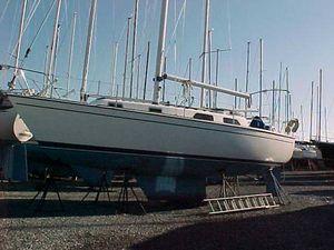 Used Pearson Centerboard Cruiser Sailboat For Sale