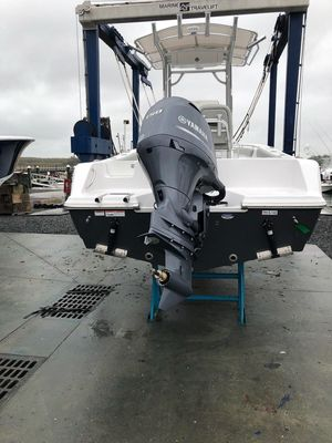 Used Sportsman 212 Center Console Fishing Boat For Sale