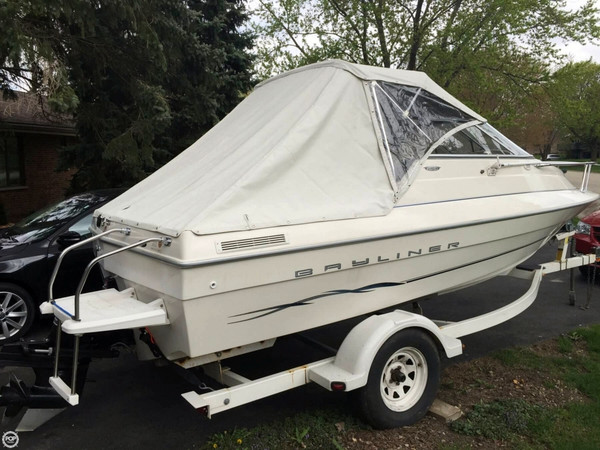 Used Bayliner 1952 Capri Cuddy Cruiser Boat For Sale