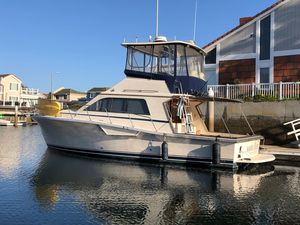 Used Pacemaker Cap Sante Flybridge Convertible Fishing Boat For Sale