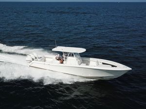 Used Invincible Open Fisherman Center Console Fishing Boat For Sale