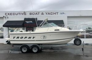 Used Bayliner Trophy 2052 Walkaround Cuddy Center Console Fishing Boat For Sale