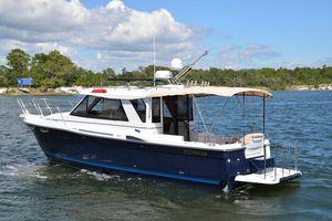 Used Cutwater C28 Sedan Cruiser Boat For Sale