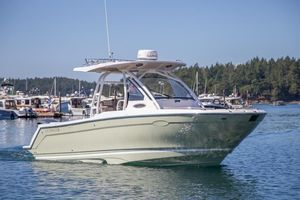 New Cutwater C-24 CW (center Walkaround) Center Console Fishing Boat For Sale