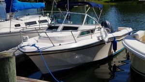 Used Grady-White 226 Seafarer WA Center Console Fishing Boat For Sale