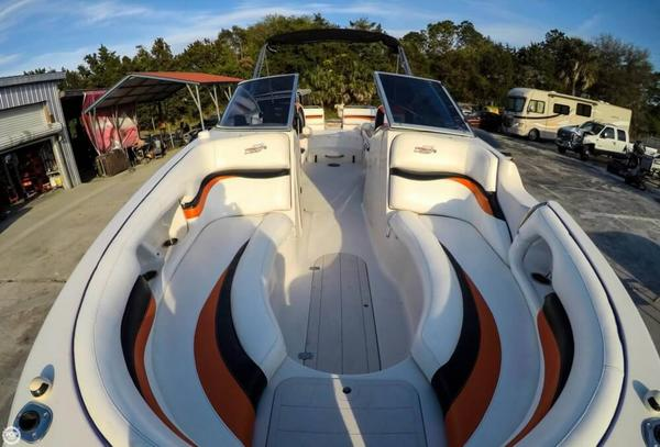 Used Starcraft Stardeck 254 DC Deck Boat For Sale