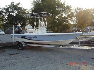 Used Blue Wave 2000 Pure Bay Center Console Fishing Boat For Sale