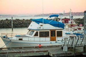 Used Marine Trader Labelle 40 Motor Yacht For Sale