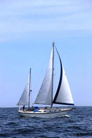 Used Allied Mistress Racer and Cruiser Sailboat For Sale