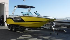 Used Mastercraft NXT 22 Surf PackageNXT 22 Surf Package Ski and Wakeboard Boat For Sale