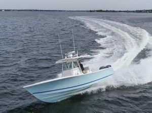 Used Regulator 32 Center Console Center Console Fishing Boat For Sale