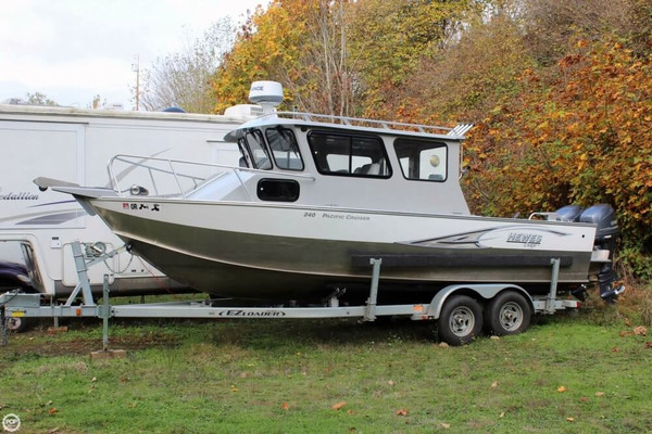 Used Hewescraft 240 Pacific Cruiser Aluminum Fishing Boat For Sale