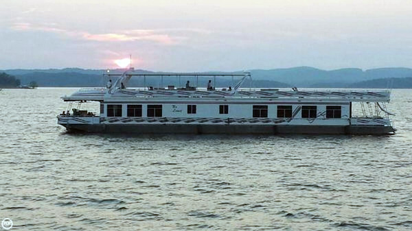 Used Sumerset 110 x 20 House Boat For Sale