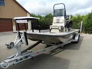 Used Shallow Stalker PRO 24 CAT Center Console Fishing Boat For Sale