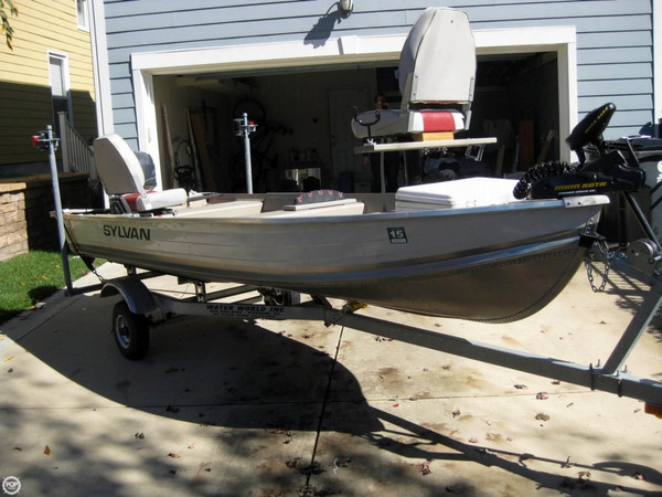 Used Sylvan 14 Sea Breeze Bass Boat For Sale