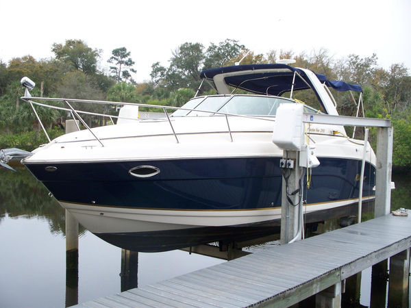 Used Rinker 290 Fiesta Vee Express Cruiser Boat For Sale