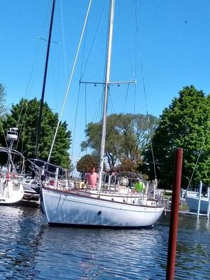 Used Rafiki 37 Cruiser Sailboat For Sale