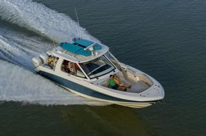 New Boston Whaler 380 Realm Sports Fishing Boat For Sale