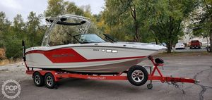 Used Mastercraft NXT22 Ski and Wakeboard Boat For Sale