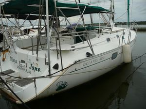 Used Beneteau 400 Cruiser Sailboat For Sale