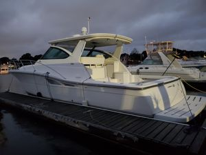 Used Tiara Yachts 4200 Open Cruiser Boat For Sale