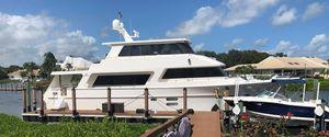 Used Hampton 720 Endurance Motor Yacht For Sale