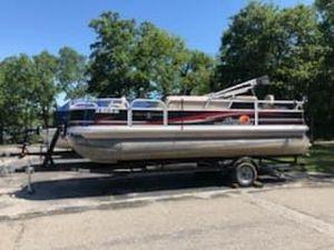 Used Tracker 22 DLX22 DLX Pontoon Boat For Sale