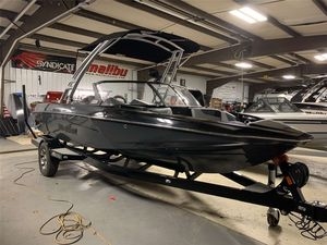 Used Response TXiTXi Ski and Wakeboard Boat For Sale