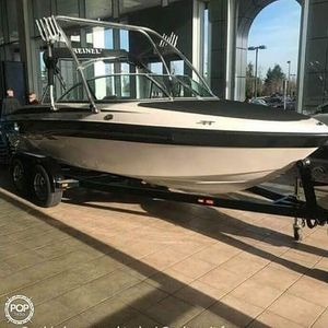 Used Reinell 197 LS Ski and Wakeboard Boat For Sale