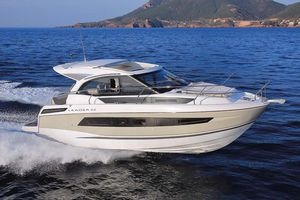 Used Jeanneau Leader 33 Sports Cruiser Boat For Sale