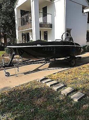 Used Bayliner 16 Element Deck Boat For Sale