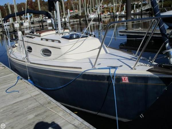 Used Sovereign 24 Shoal Sloop Sailboat For Sale