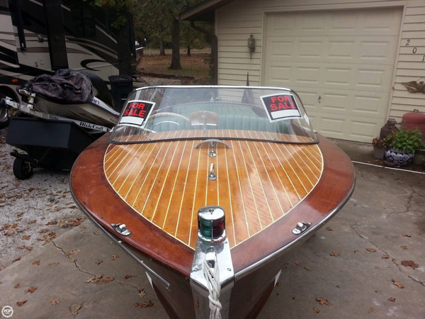 Used Century 16 Resorter Antique and Classic Boat For Sale