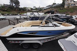 New Sea Ray 230 SLX230 SLX Runabout Boat For Sale